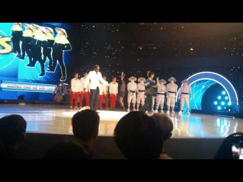 Vũ điệu đam mê - Giám khảo Dumbo và Afresdo Torres biểu diễn