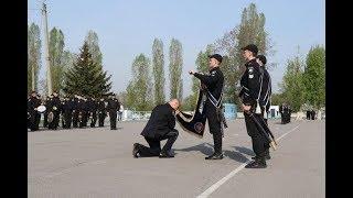 Генерал поліції третього рангу Валерій Сокуренко попрощався з Прапором університету