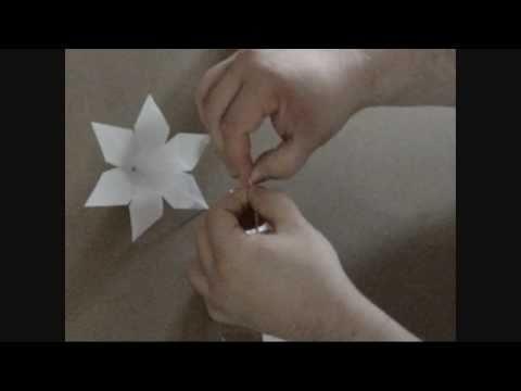 origami flower lily -lU6JGrnzI0c