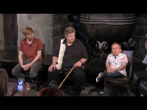 Diagon Alley discussion with Warwick Davis, Domhnall Gleeson and Robbie Coltrane