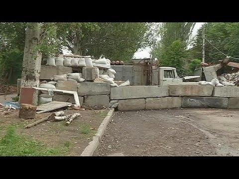 Ukraine: former Maidan protesters police Slovyansk