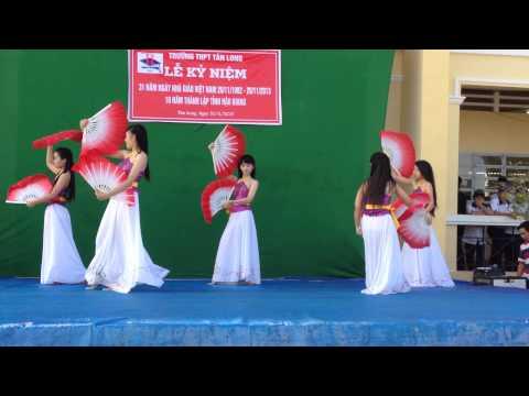 Múa quạt Việt-THPT Tân Long