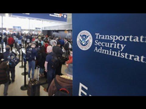 Giám đốc an ninh phi trường TSA bị thay thế vì dân phản đối sắp hàng lâu