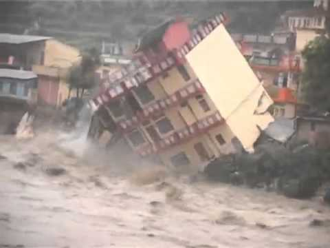 Live Footage from Uttarkashi, Uttrakhand   Building washed away with rain, June 2013
