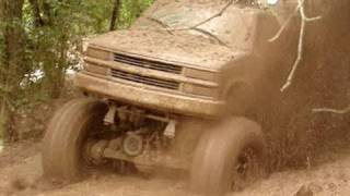 HUGE MUD TRUCK BREAKS U-JOINT BLASTIN THROUGH DEEP MUD