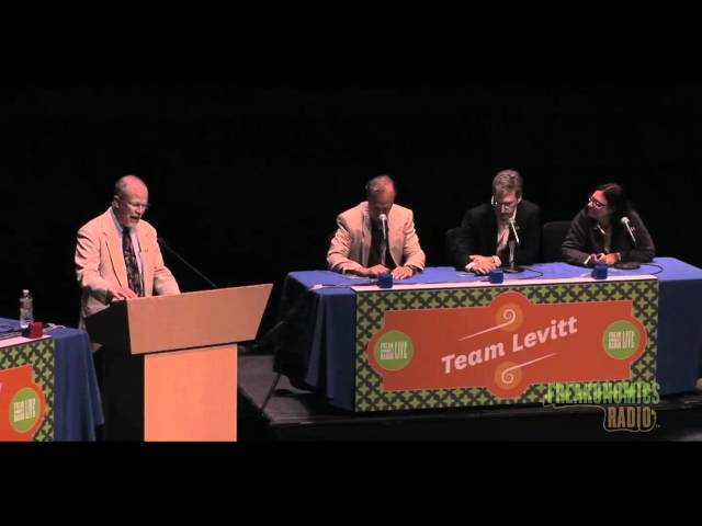 Quiz Bowl Showdown: Freakonomics Radio Live in St. Paul