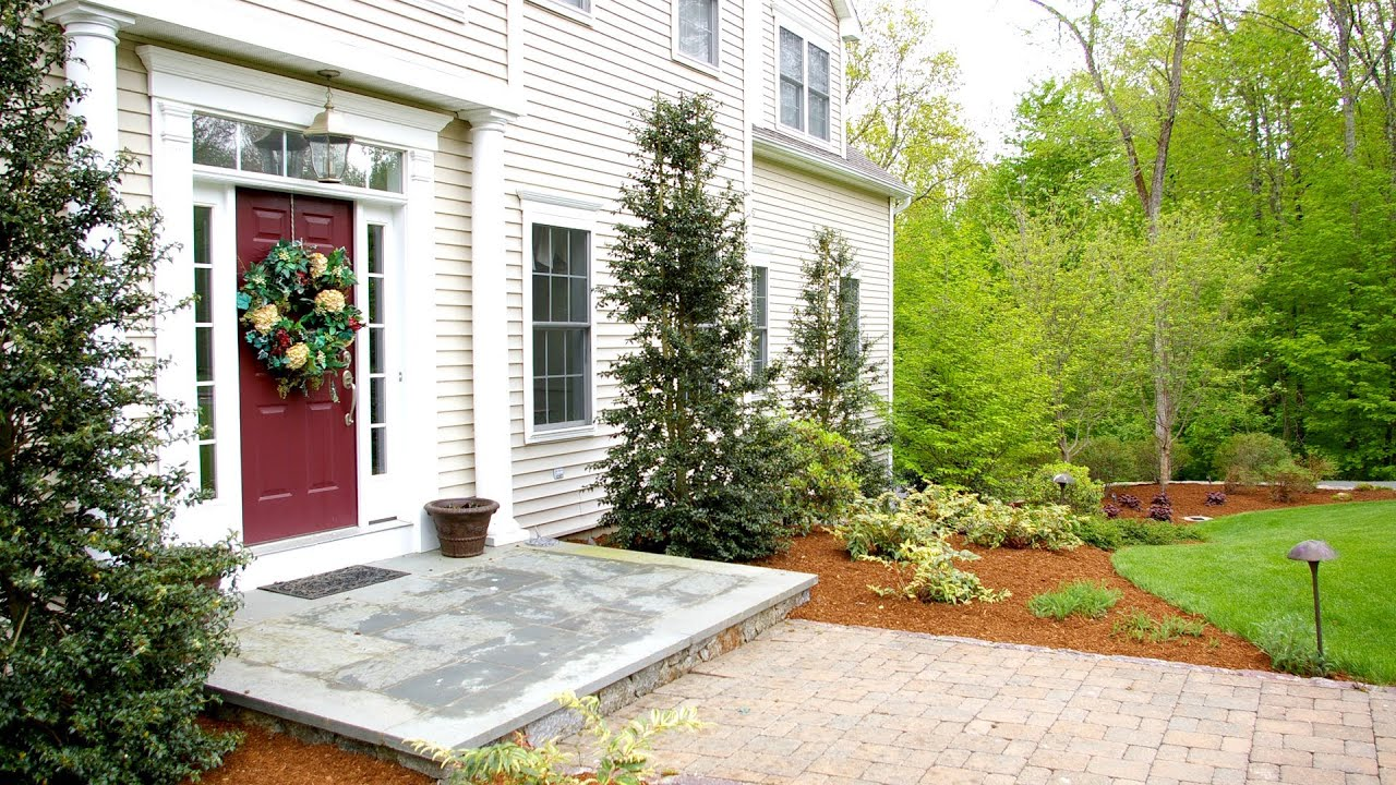 Front yard landscaping ideas oxford ct landscape for Colonial landscape design