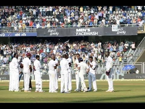 Sachin Tendulkar's final walk into hede stadium- 200th test match