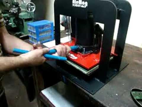 Maquina  de  fazer chinelo Alemq