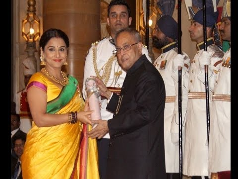Vidya Balan, Kamal Haasan receive Padma Awards - IANS India Videos