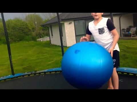Tricks with the big ball(so funny)😂🤣🏀