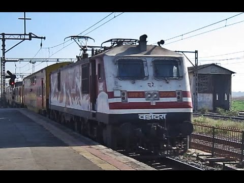 BCT ADI Double Decker Express with 30067 'Amul' skipping Vasai Road