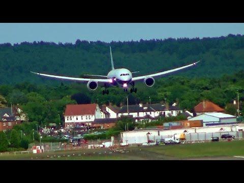 Boeing 787-9 Dreamliner, Short Landing Capability.