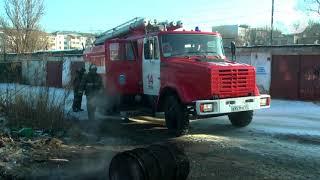 Пожарные  потушили  бочку с горючими материалами