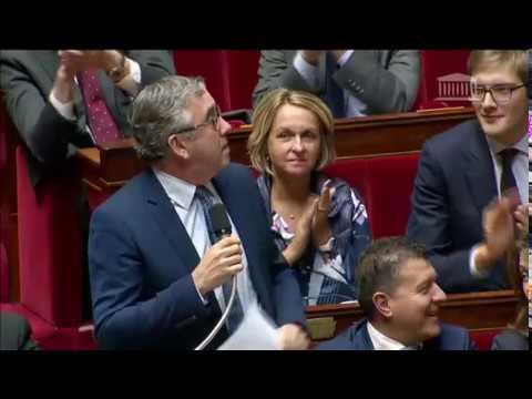M. Vincent Descoeur - Hausse des taxes sur le carburant