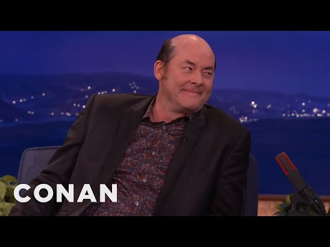 David Koechner's Dirty Hobo Character Frightens His Kids