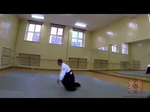Suwari waza ushiro kaiten z zamianą nogi