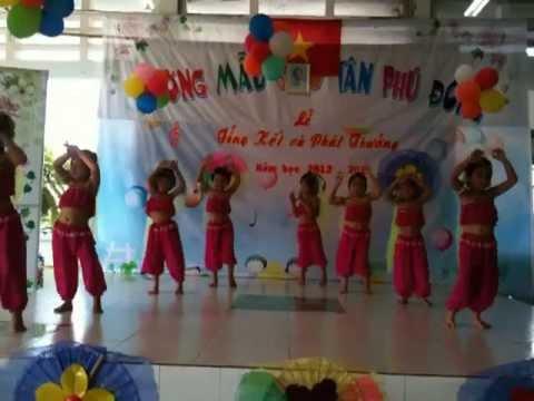 Các bé lớp Chồi múa Alibaba