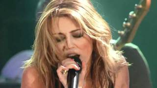 Miley Cyrus - Every Rose Has Its Thorn (live)