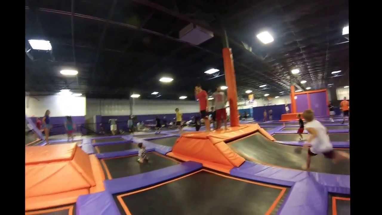 Altitude trampoline park frontflip 1/2 - YouTube