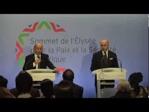 Point presse Laurent Fabius / Jean-Yves le Drian, sommet de l'Elysée (06/12/2013)