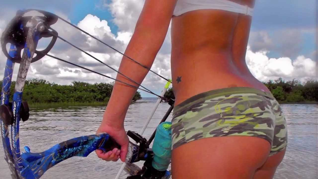 Bowfishing - Bikini Bowfishing DVD Preview - YouTube
