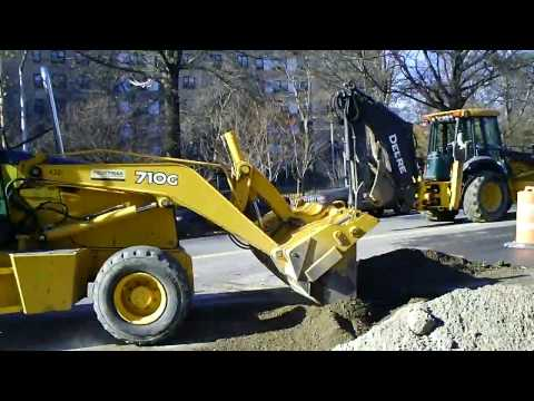 John Deere 710G Vs 710J Backhoe