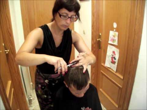 Pasos a seguir para cortar el pelo con máquina y peine y tijera en casa