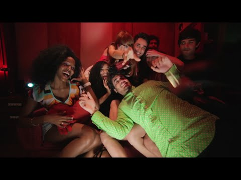 Sin control (Remix) ft. Pete Miser - Nube Roja