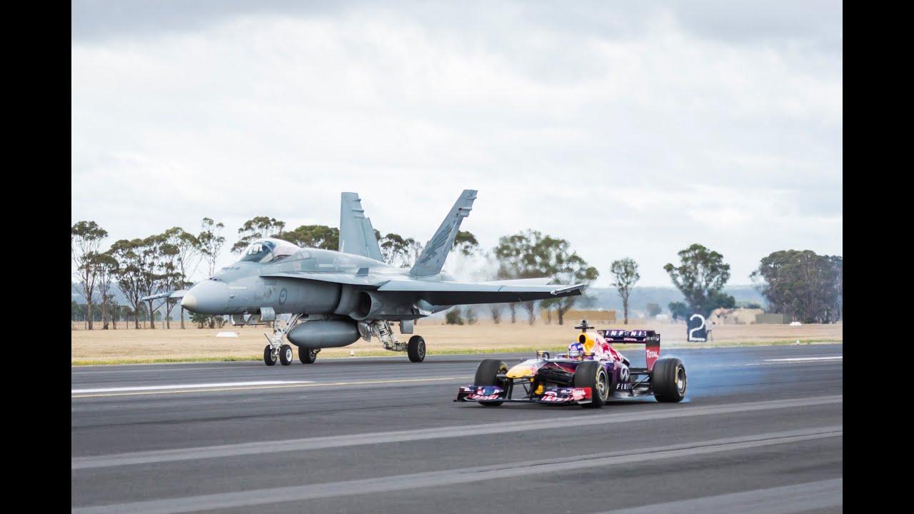 F1 contre avion de chasse
