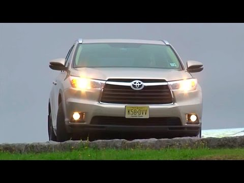 2014 Toyota Highlander - TestDriveNow.com Review by Auto Critic Steve Hammes