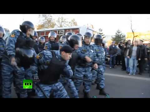 Video: Violent anti-migrant riot erupts in Moscow after local killed