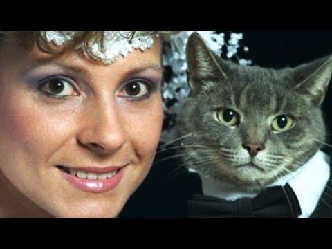 13 Awkward Pet Portraits That'll Make You Cringe