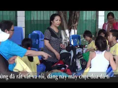 Giáo xứ Phú Trung - Lớp tình thương đi chơi hè 22/05/2012,( (1).