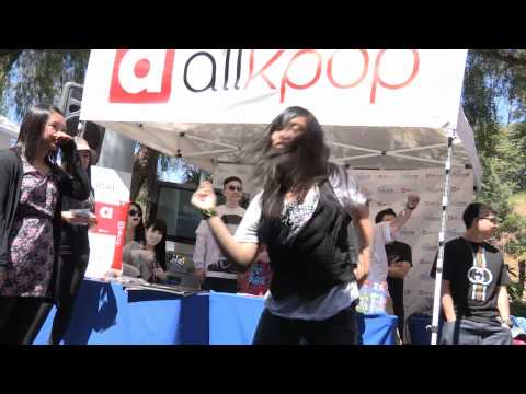 Recap of the allkpop booth event at KMF 2011!
