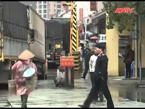 """Lật tẩy chiêu trò thu mua nông sản """"lạ đời"""" của thương lái Trung Quốc"""