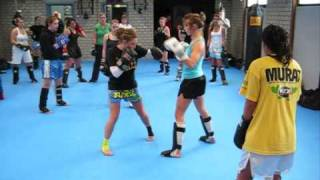 Hao123-Muay-thai training Belgium 'Only Girls'