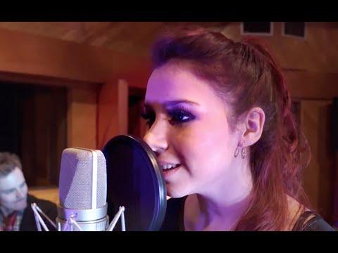 dew - Me Estoy Enamorando ft. Andrea Grazzia (Video Oficial)