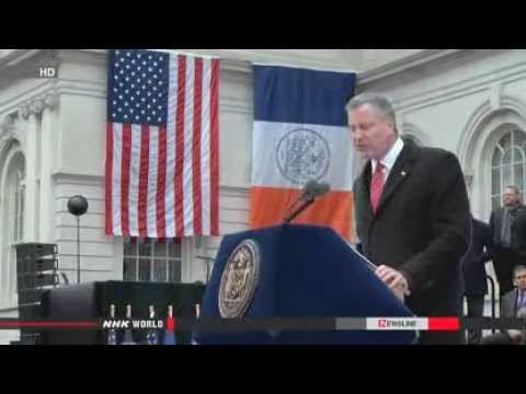 ► Bill de Blasio sworn in as New York City mayor