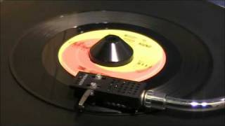 The Beatles - I Want To Hold Your Hand - 45 RPM - ORIGINAL MONO MIX view on youtube.com tube online.
