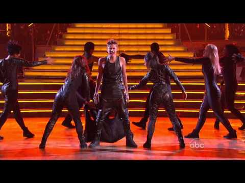 "Justin Bieber Performs ""As Long As You Love Me"" LIVE On Dancing With The Stars - 9/25/2012 (IN HD), Justin Bieber Performs ""As Long As You Love Me"" LIVE On Dancing With The Stars - 9/25/2012. (IN HD)"