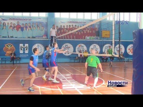 Бердский волейбольный «Авангард» рвётся к победе