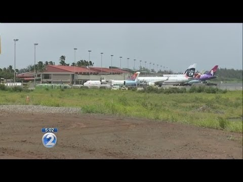 Teen stowaway survives in wheel well of Hawaiian Airlines flight