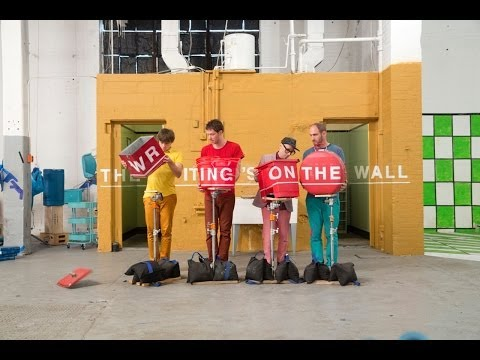 Miniatura del vídeo OK Go - The Writing's On the Wall - Official Video