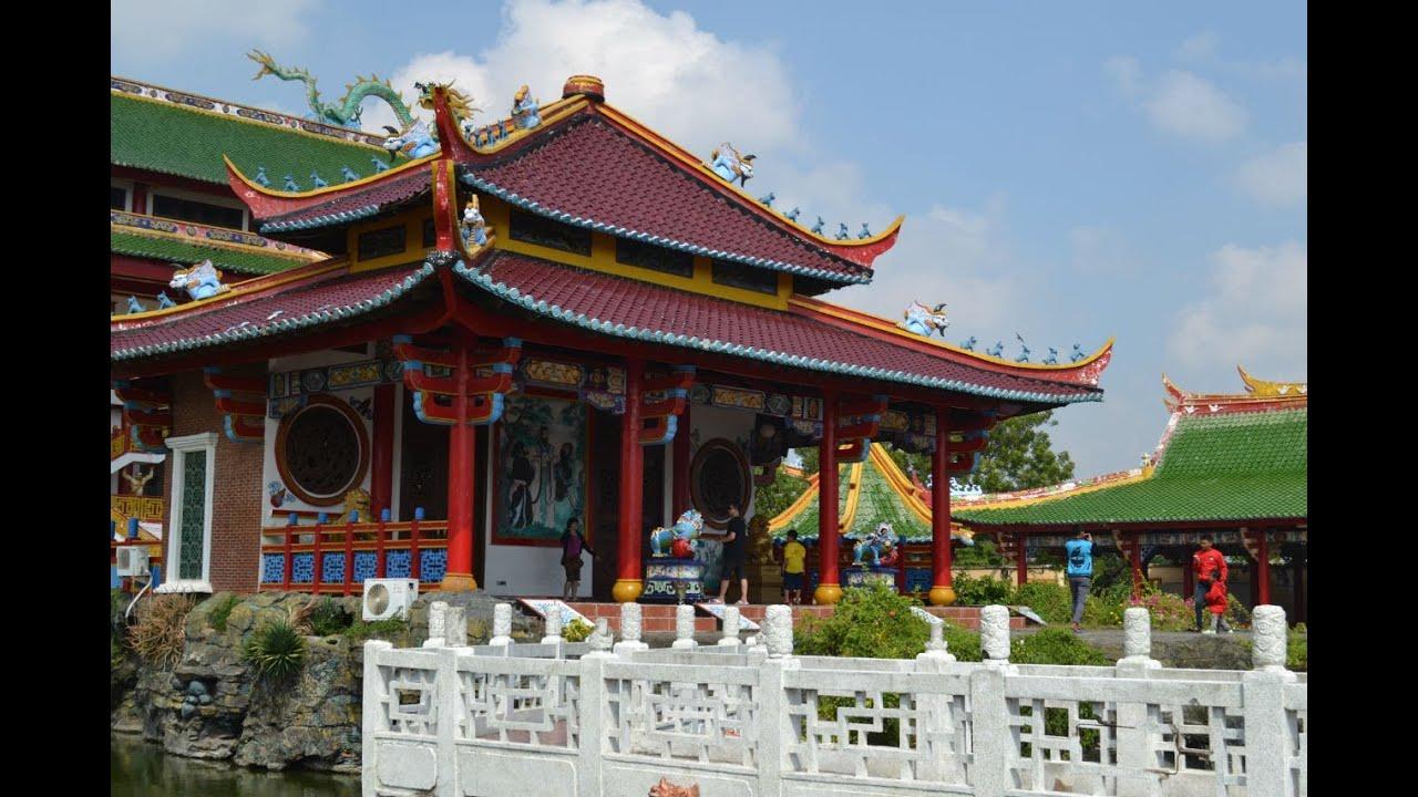 Istana Kaisar di Kelenteng Kwan Sing Bio - Tuban