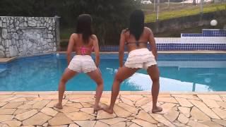 Novinhas Dançando Funk Na Beira Da Piscina