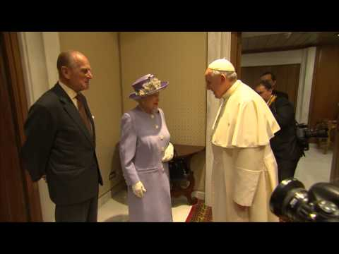 The Queen meets Pope Francis