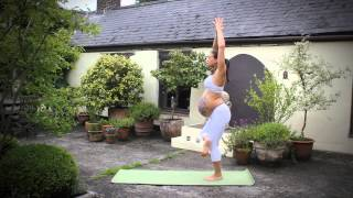 Flow Yoga Mama Part2! Mercedes Ngoh Sieff 9 months Pregnant Handstands