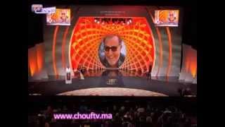محمد خيي يرقص على ايقاعات كناوية خلال تكريمه   خارج البلاطو