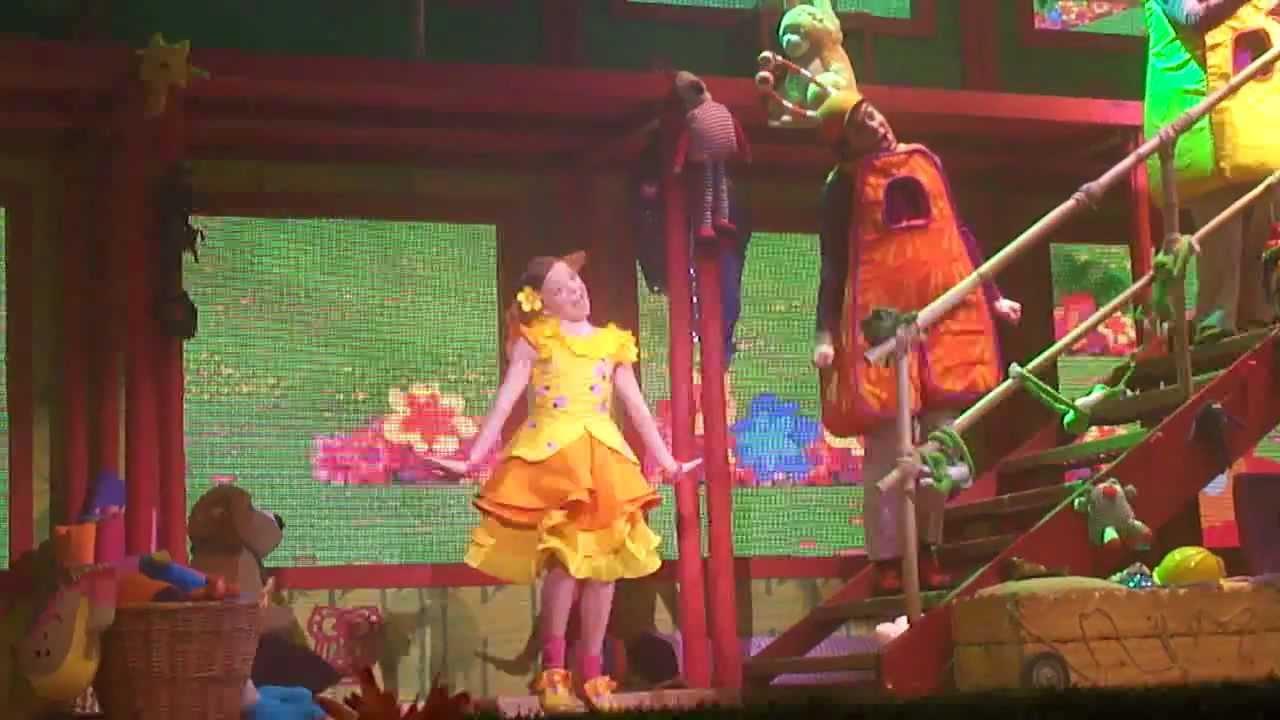 Topa y muni en el teatro clarilu quiero una ensalada en for Cancion el jardin de clarilu